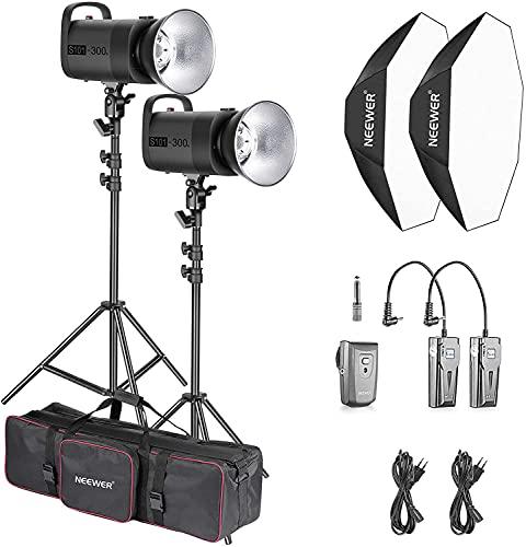 Neewer Kit d'Illuminazione Flash da Studio: (2) S101 300W Strobo con Attacco Bowens, (2) Stativo, (2) Softbox, (2) RT-16 Trasmettitore, (2) Ricevitore, (1) Borsa di Trasporto per Registrazioni Video